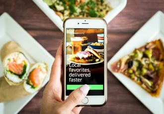 Aplicatia Uber Eats - More than travel